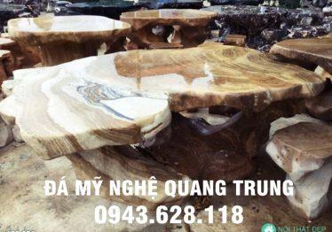 Mẫu bàn ghế đá tự nhiên tại Ninh Bình