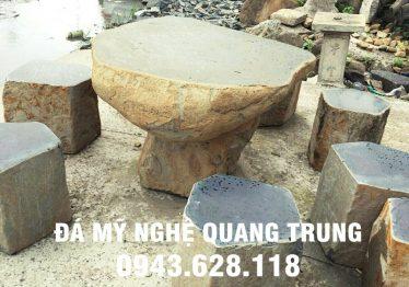 Mẫu bàn ghế đá tự nhiên tại Quảng Ninh