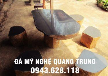 Mẫu bàn ghế đá tự nhiên tại Đồng Tháp