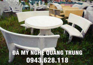 Mẫu bàn ghế đá tự nhiên tại Vũng Tàu
