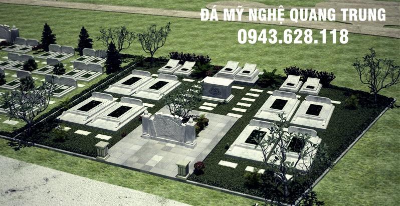 Khu lăng mộ với nhiều ngôi mộ đá được ghép từ các phiến đá vuông, phẳng, không hoa văn cầu kỳ
