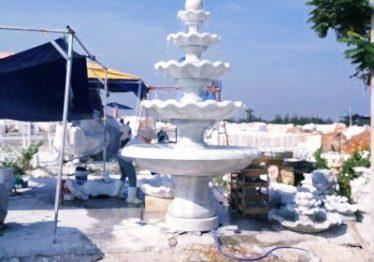 Đài phun nước bằng đá 9