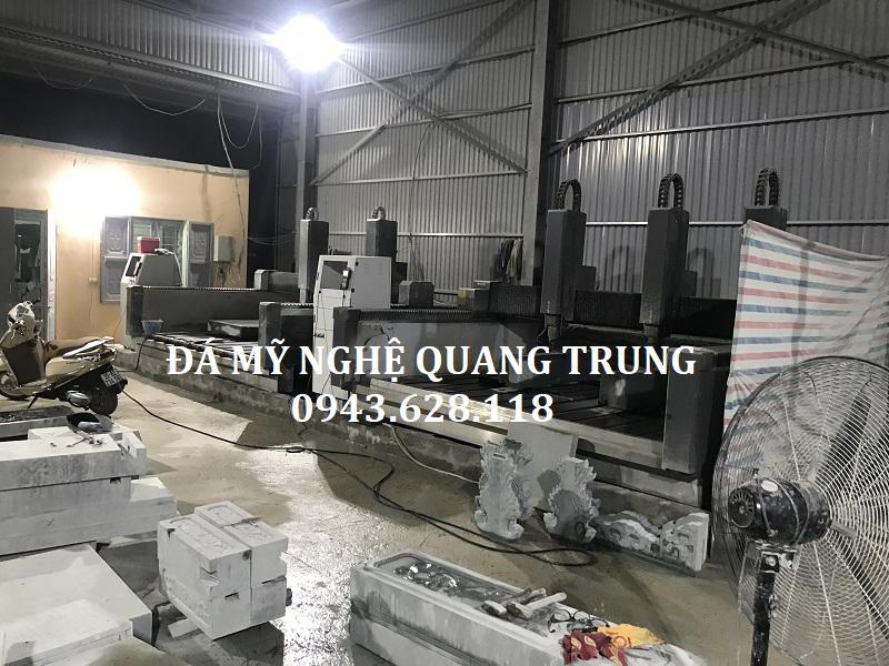 Hình ảnh xưởng đá mỹ nghệ Quang Trung giai đoạn hoàn thiện các hạng mục của Khu lăng mộ.