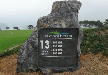 Mẫu Bia đá tự nhiên nguyên khối chỉ dẫn ở FLC GOLF