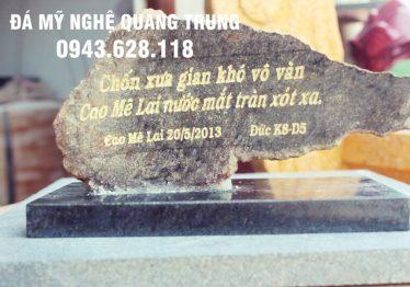 Bia đá khối 4