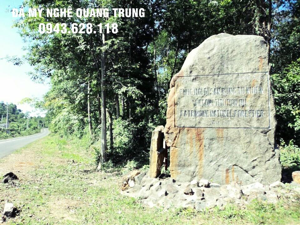 Mau Bia da tu nhien dep 3 Lăng mộ đá, Mộ đá Ninh Bình