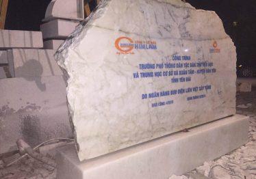 Bia đá khối – Bia đá tự nhiên Công ty Cổ phần HIMLAM