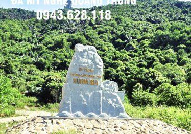 Bia đá khối 11