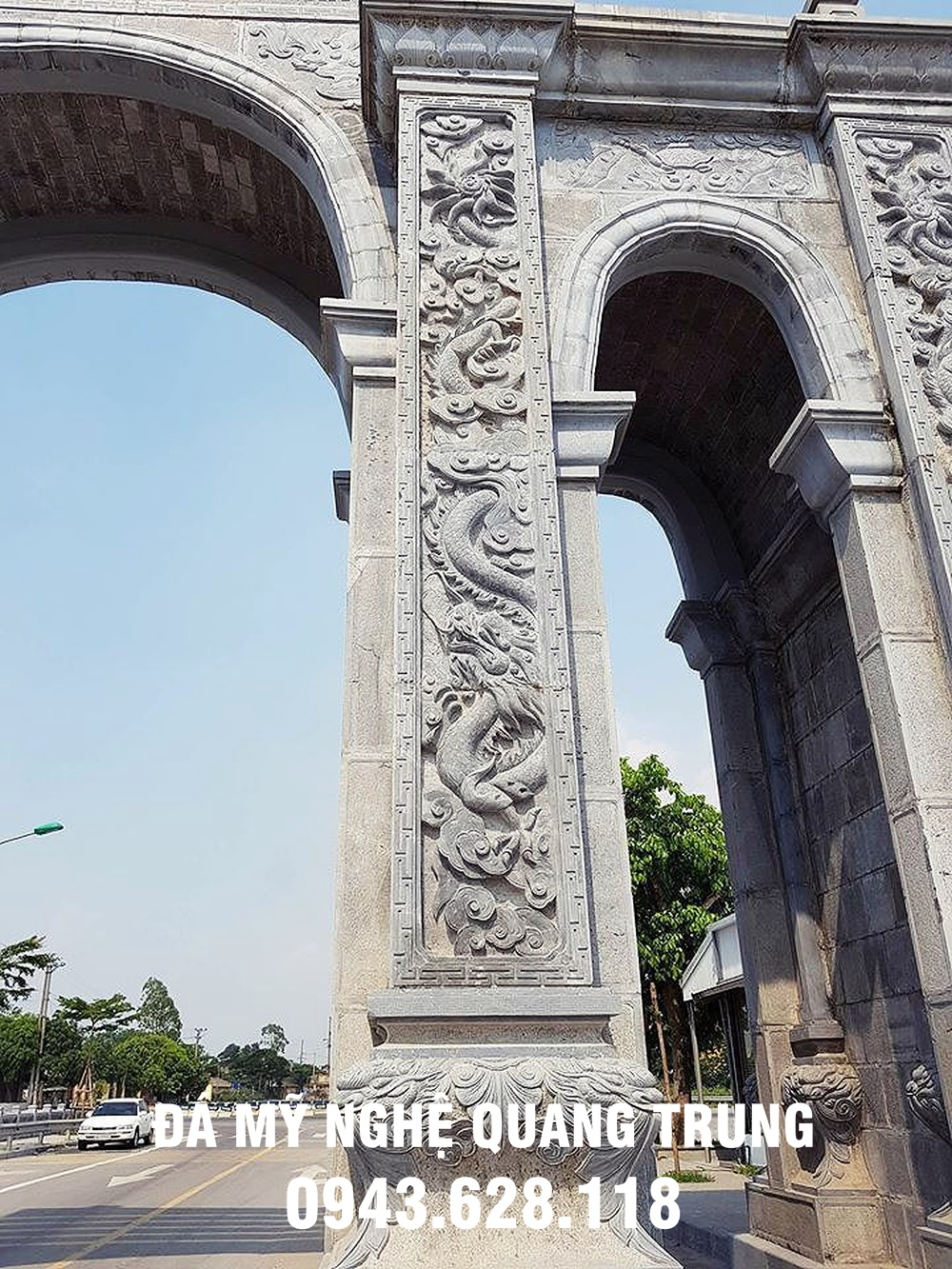 Cổng làng đá được khắc rồng rất tinh vi- chỉ có ở làng nghề đá mỹ nghệ truyền thống