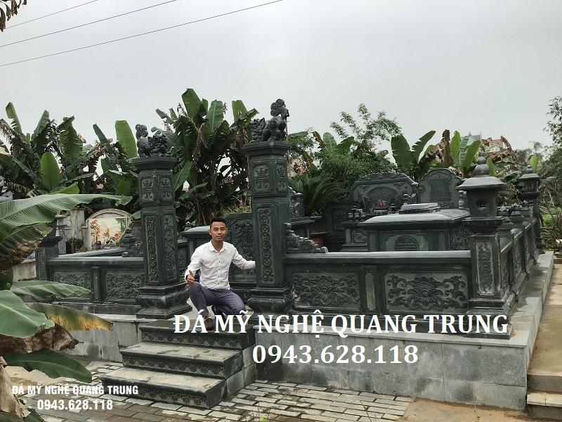 Cong da khu lang mo da xanh reu Quang Trung