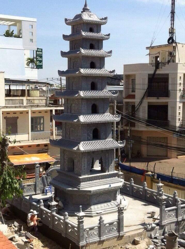 Bảo tháp đá đẹp - Mẫu Bảo tháp đá Quang Trung
