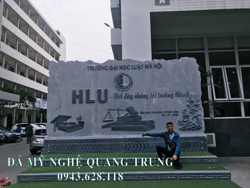 Hinh anh Bia da Truong Dai hoc Luat Ha Noi hoan thien