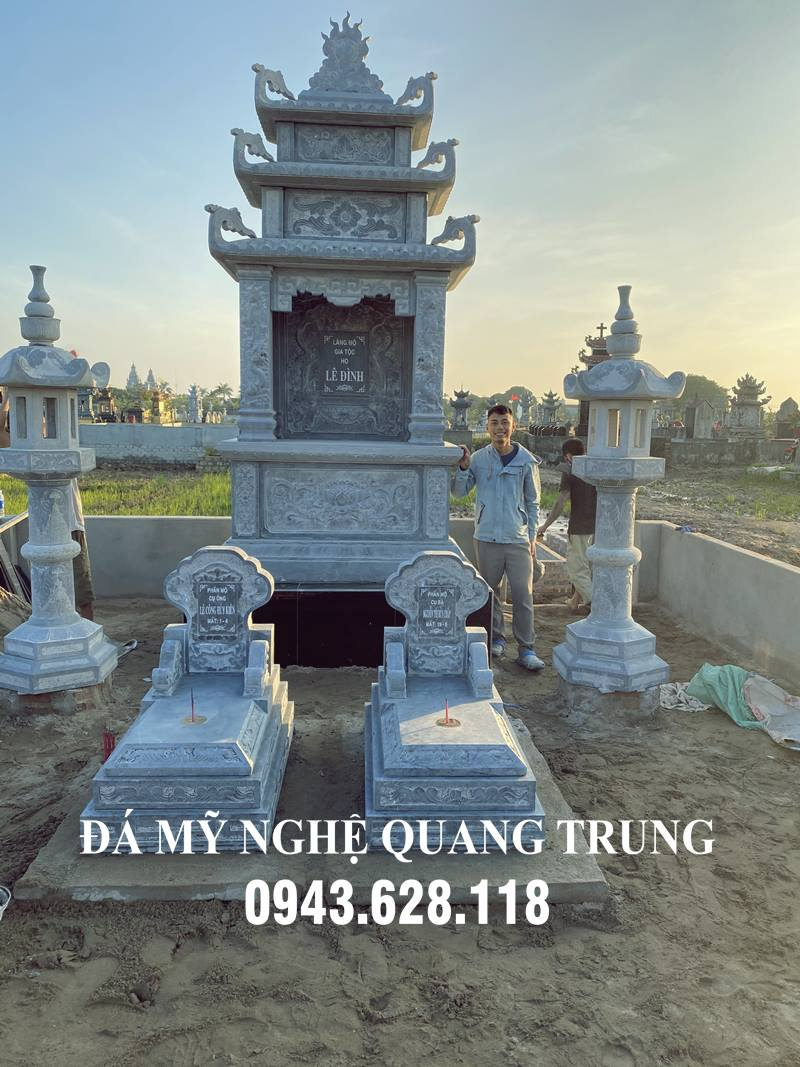 Khu lăng mộ đá gồm 2 Mộ đá tam sơn đơn giản