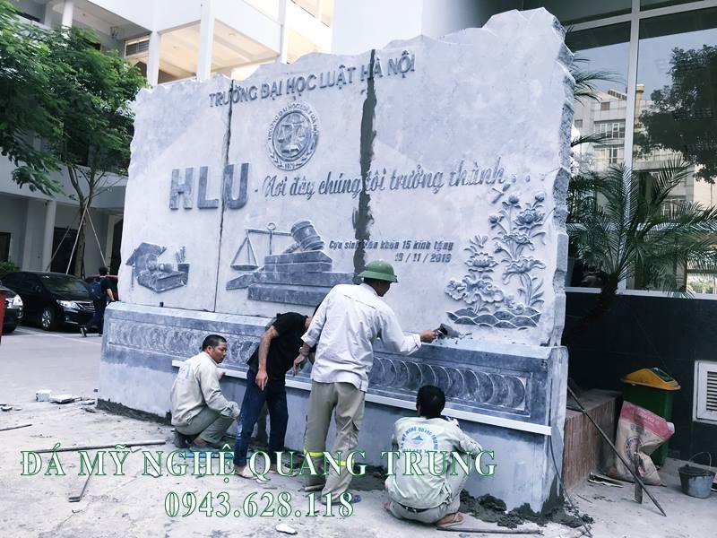 Mau Bia da Truong dai hoc gom co Ten truong - Logo - Ten viet tat - Slogan va Tranh Hoa SEN duoc tram khac CNC