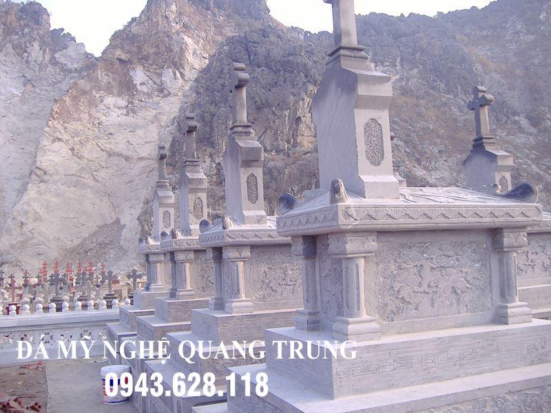 Khu-lang-mo-Cong-giao-dep-tai-Gia-Vien-Ninh-Binh.JPG
