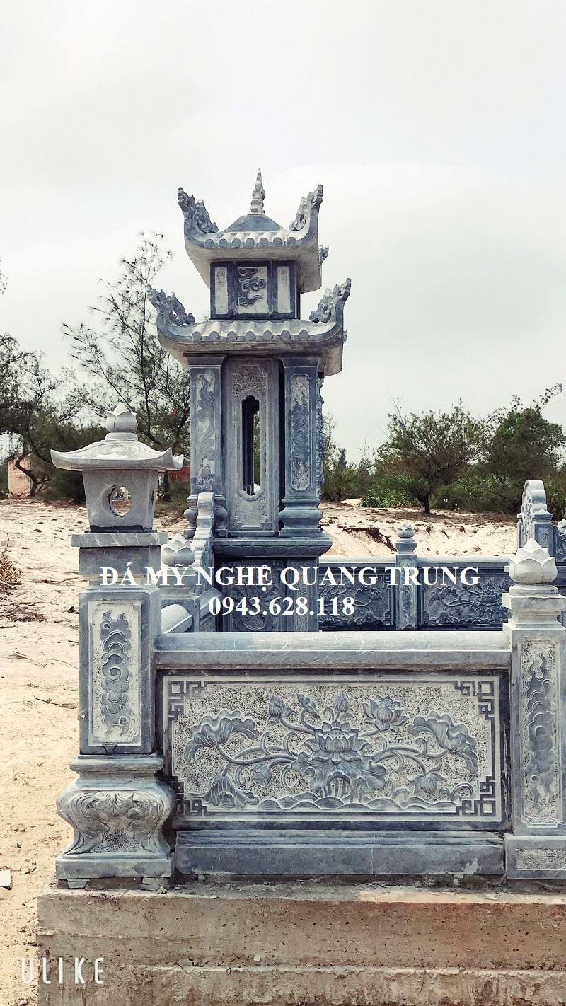 Mat hong cua Lang tho da xanh reu cua Khu lang mo