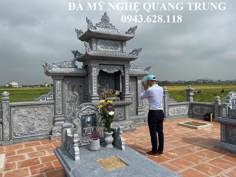 Nghe nhan tre Quang Trung thap huong le ta Lang mo