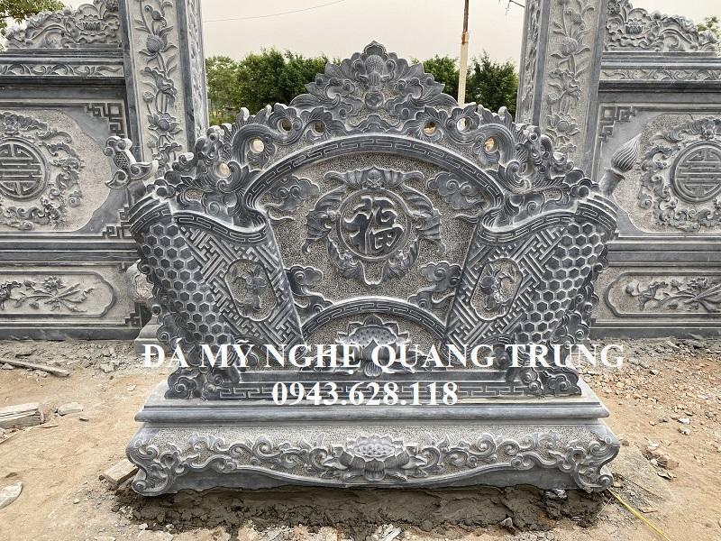 Cuốn thư đá mat trong la Ngu Phuc Lam Mon