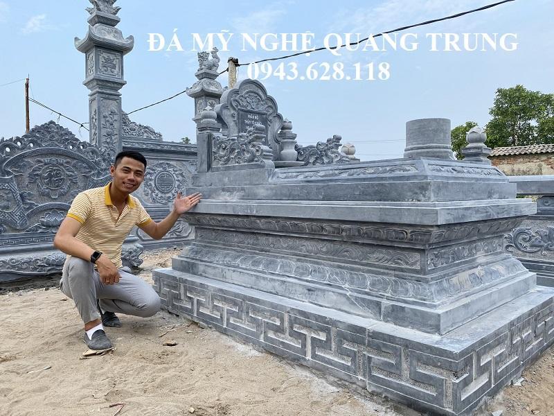 Mẫu Mộ Đá Tam Sơn khong mai rat an tuong cua Nghe nhan tre Quang Trung