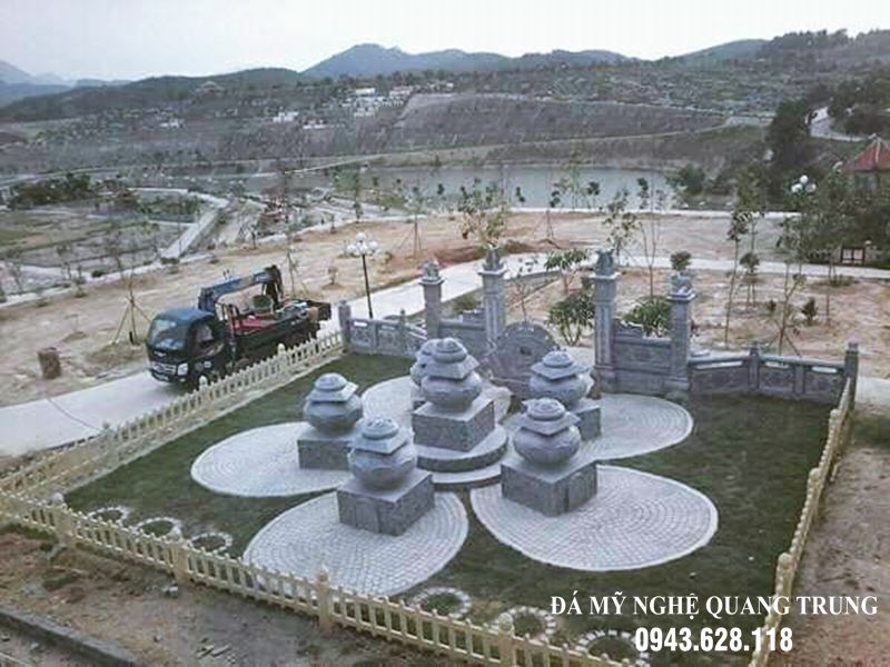 Mộ Nụ SEN đá xanh rêu cao cấp Quang Trung, khu lăng mộ tựa như một Vườn Hoa SEN Đá của các Thầy Trụ Trì.