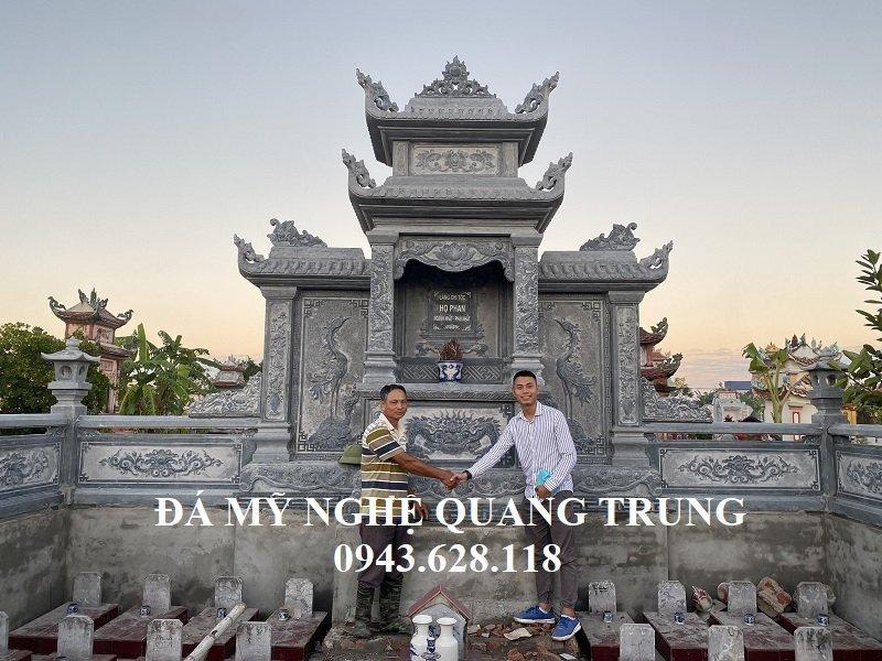 Nghe nhan tre Quang Trung chup anh luu niem cung Anh Duc khi hoan thien cong trinh